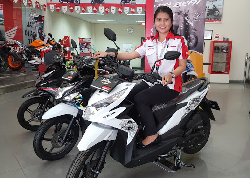 Tips Memilih Motor yang Sesuai Digunakan untuk Wanita
